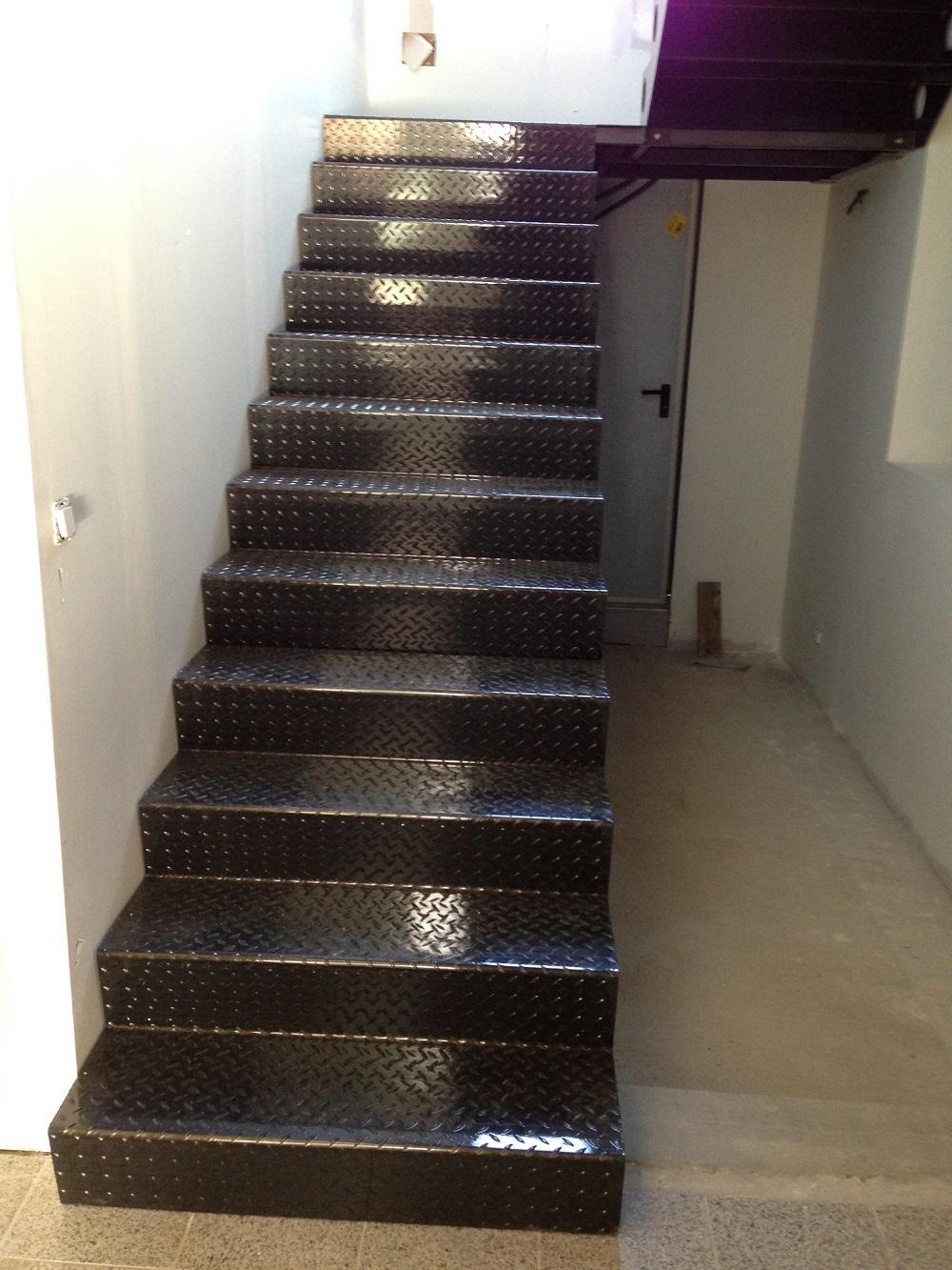 escalier pro acier tole larmee